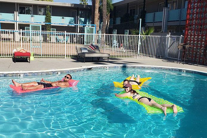 sober-apartment-living-pool2019